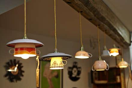Upcycling Deluxe - Concept Store:  Geschäftsräume & Stores von Lieselotte