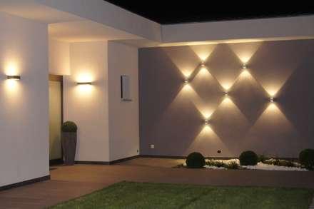 Villa In Frankreich: Moderner Garten Von Bolz Licht U0026 Design GmbH