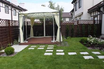 Ogród w pigułce: styl , w kategorii Ogród zaprojektowany przez GREENERIA