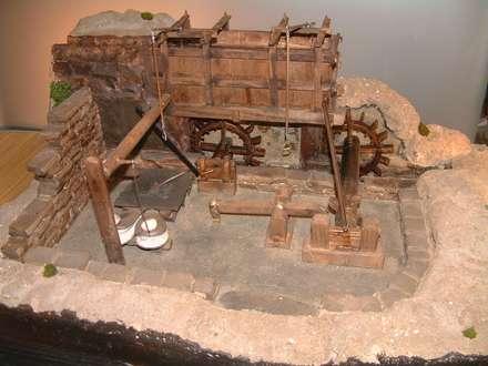 Maqueta mazo y fragua  ( Casa del agua Bres ,Taramundi): Museos de estilo  de Carro Artesano