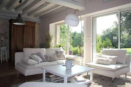 Maison de campagne: Salon de style de style Rustique par Sandra Dages