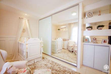eclectic Nursery/kid's room by VITRAL arquitetura . interiores . iluminação