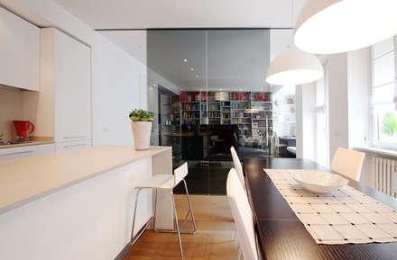 Cucina: Case in stile in stile Moderno di Filippo Colombetti, Architetto