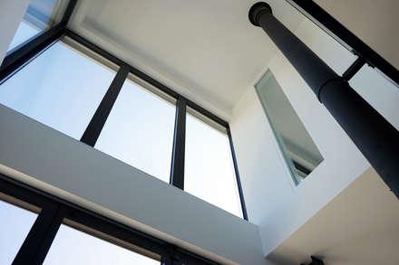 Wohnzimmer und Kamin moderne wohnzimmer mit galerie : Ideen & Inspiration für moderne Wohnzimmer | homify