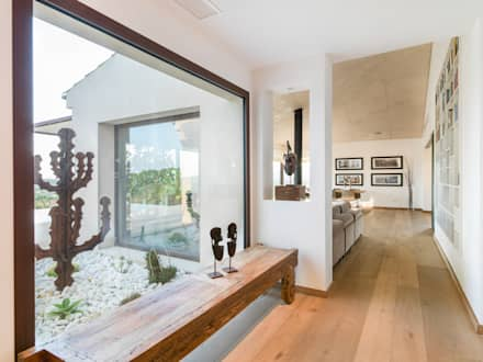 entrada principal: Pasillos y vestíbulos de estilo  de margarotger interiorisme