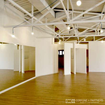 PROGETTO DANZA: Palestra in stile in stile Eclettico di CORFONE + PARTNERS studios for urban architecture