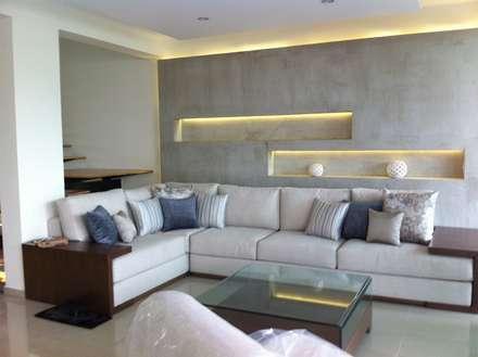 SALA DE ESTAR: Salas de estilo minimalista por GHT EcoArquitectos