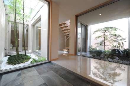 癒しのエントランス: TERAJIMA ARCHITECTSが手掛けた玄関/廊下/階段です。