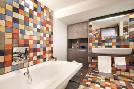 Italian Loft: Bagno in stile in stile Industriale di vemworks