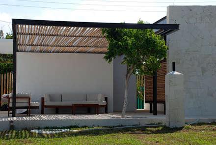 Restaurantes de estilo  por vgzarquitectura y diseño