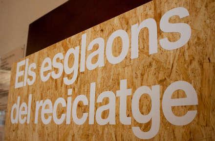 """Exposición itinerante. """"Los Peldaños del Reciclaje"""": Ferias de estilo  de ALBERT SALVIA dissenyador d'interiors"""