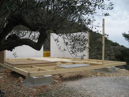PROTOTIPO DE VIVIENDA UNIFAMILIAR PREFABRICADA, CON JURGEN VAN WEERELD I KARIN GIESBERTS: Casas de estilo moderno de DMP arquitectura