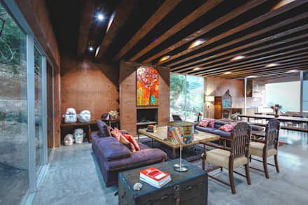 Casa Narigua : Salas de estilo ecléctico por P+0 Arquitectura