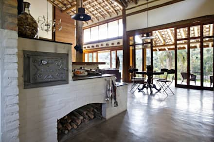rustic Houses by Bianka Mugnatto Design de Interiores