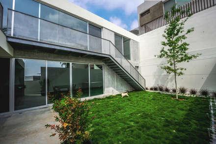 Rumah by P+0 Arquitectura