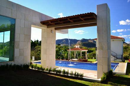 Hồ bơi by Excelencia en Diseño