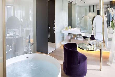 Hotel Mandarín Oriental - Barcelona: Baños de estilo moderno de TONO BAGNO | Pasión por tu baño