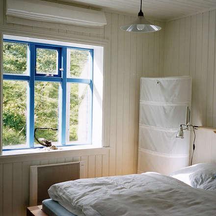 Schlafzimmer: koloniale Schlafzimmer von Büro für Solar-Architektur