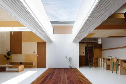イドコロ: ma-style architectsが手掛けた玄関/廊下/階段です。