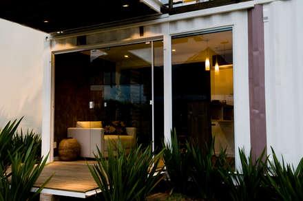 Loft-Container  20': Salas de estar minimalistas por Ferraro Habitat
