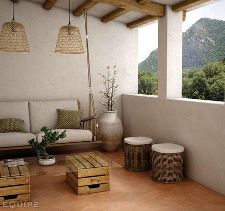Curvytile Cotto Clay  26,5x26,5: Terrazas de estilo  de Equipe Ceramicas