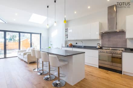 Extension in Sheen, SW14: modern Kitchen by TOTUS