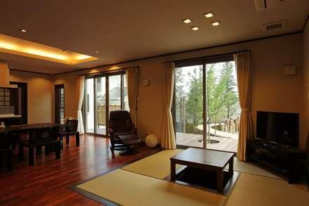 もてなしの家・和のエスプリを継ぐ家: やまぐち建築設計室が手掛けた和室です。