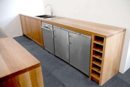 Traditional Materials, Minimalist Kitchen Design:  Kitchen units by NAKED Kitchens