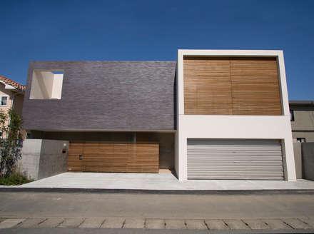 外観 正面: Atelier Squareが手掛けた家です。