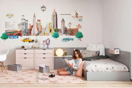Habitación juvenil para chica adolescente: Dormitorios infantiles de estilo moderno de Sofás Camas Cruces
