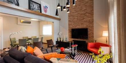 Jardim Paulista   Residenciais: Salas de estar modernas por SESSO & DALANEZI