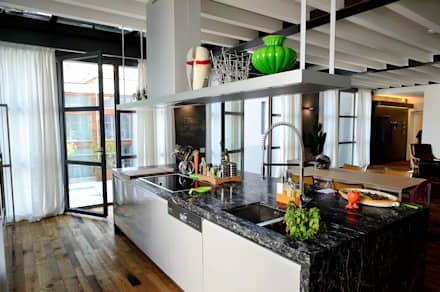 Sangervasio Loft: Cucina in stile in stile Moderno di Massimo Adiansi Architetto