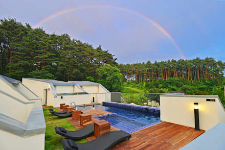 Villa 'Le chat tree' gangneung, South Korea - 펜션 르샤트리, 강릉: URCODE의  수영장