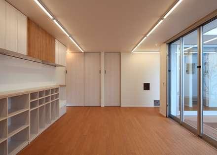 保育室: 石嶋寿和/石嶋設計室が手掛けた子供部屋です。