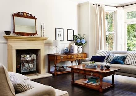 country Living room by Titchmarsh & Goodwin
