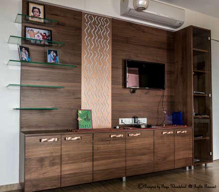 Residence  5: Modern Houses By Instinct Designs