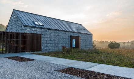 project: styl nowoczesne, w kategorii Domy zaprojektowany przez Kropka Studio