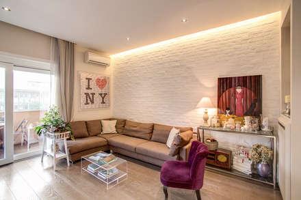 Casa MC coviello: Soggiorno in stile in stile Moderno di MOB ARCHITECTS