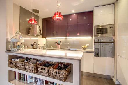 Casa MC coviello: Cucina in stile in stile Moderno di MOB ARCHITECTS