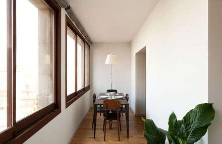 Galería comedor: Dormitorios de estilo moderno de ACABADOMATE