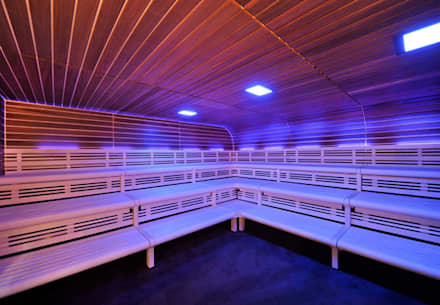 Wartungsarme Kombi-Sauna im gewerblichen Bereich.:  Sauna von corso sauna manufaktur gmbh