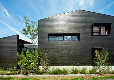 Casas de estilo  por 石井智子/美建設計事務所
