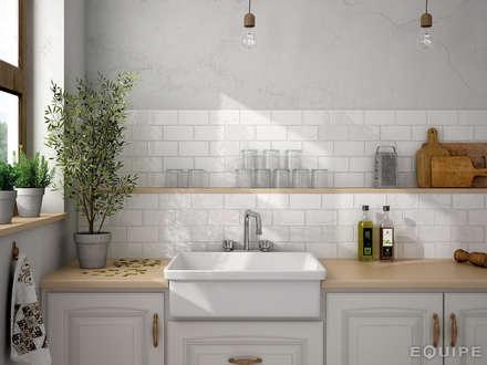 Masia Blanco 7,5x15: Cocinas de estilo rústico de Equipe Ceramicas