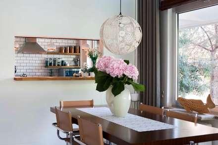 HANDE KOKSAL INTERIORS – House S - S Evi: endüstriyel tarz tarz Yemek Odası