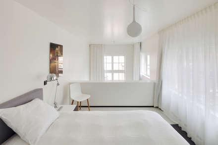 The Post: moderne Slaapkamer door Wiel Arets Architects