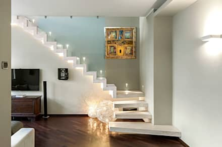 Casa Shimano - living room: Soggiorno in stile in stile Moderno di studiodonizelli