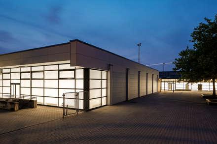 Modernisierung des Sporthallenkomplex in Köln-Finkenberg:  Stadien von AIB - Architektur - Ingenieurbüro Billstein - Köln