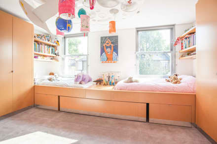West London Home by Sybarite Architects: modern Nursery/kid's room by Whitaker Studio