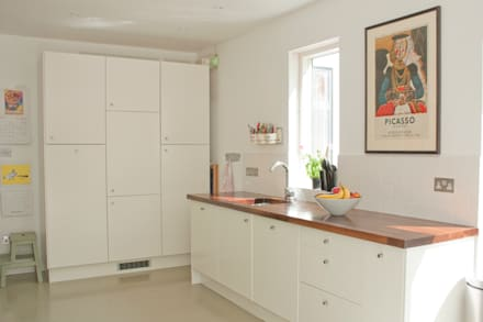 Kitchen units:  Kitchen units by Dittrich Hudson Vasetti Architects