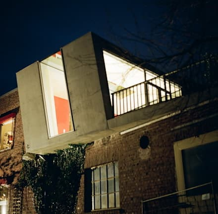 Lift - Wohnraumerweiterung: industrialer Wintergarten von *platzhalter architektur